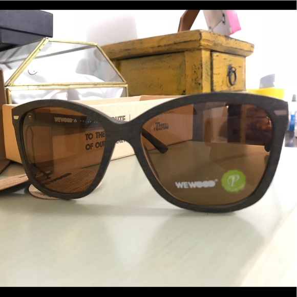262833ebda10ff New ✨ Eco-friendly wood style sunnies 🕶. NWT. WeWood